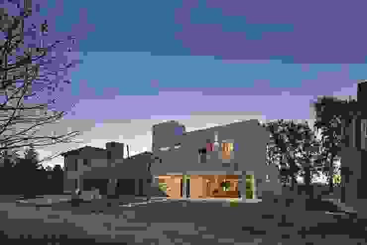 Rumah Modern Oleh Pablo Anzilutti | Arquitecto Modern