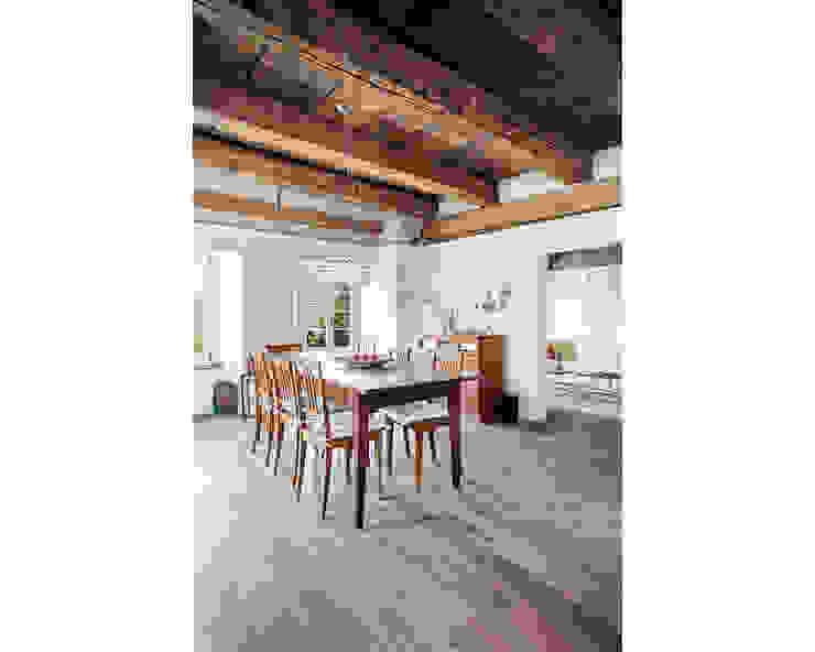 Comedores de estilo rústico de meier architekten zürich Rústico Madera Acabado en madera