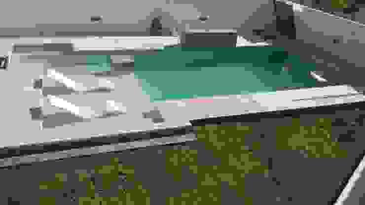 modern  by Rubrica Arquitectura, Modern
