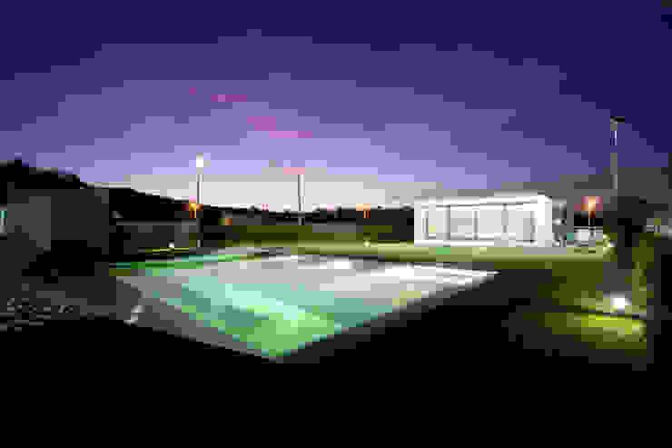 Casas de estilo  por aaph, arquitectos lda.,