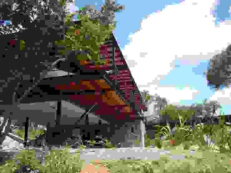 Modern home by Estudio Monica Fiore Modern
