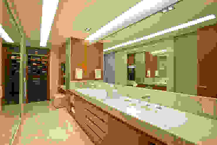 Armoni Vestidores modernos de ARCO Arquitectura Contemporánea Moderno