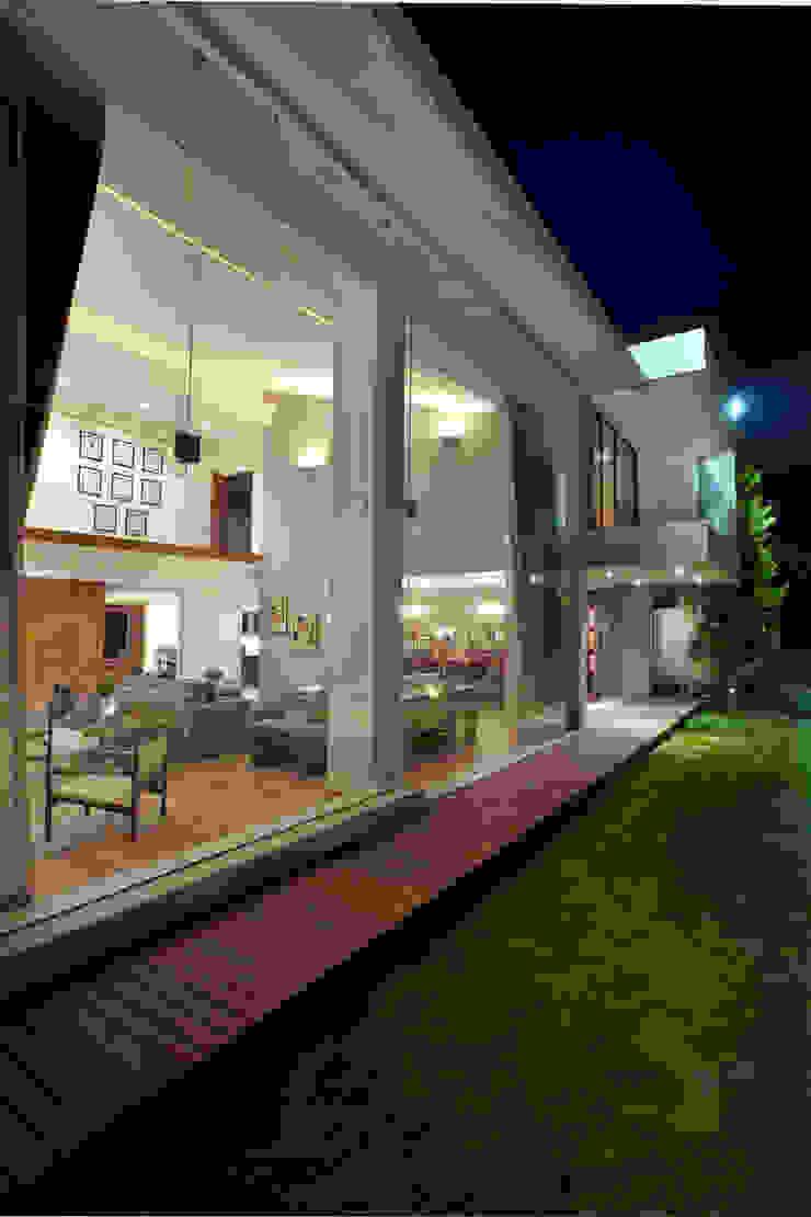 Casa LC Jardines modernos de ARCO Arquitectura Contemporánea Moderno