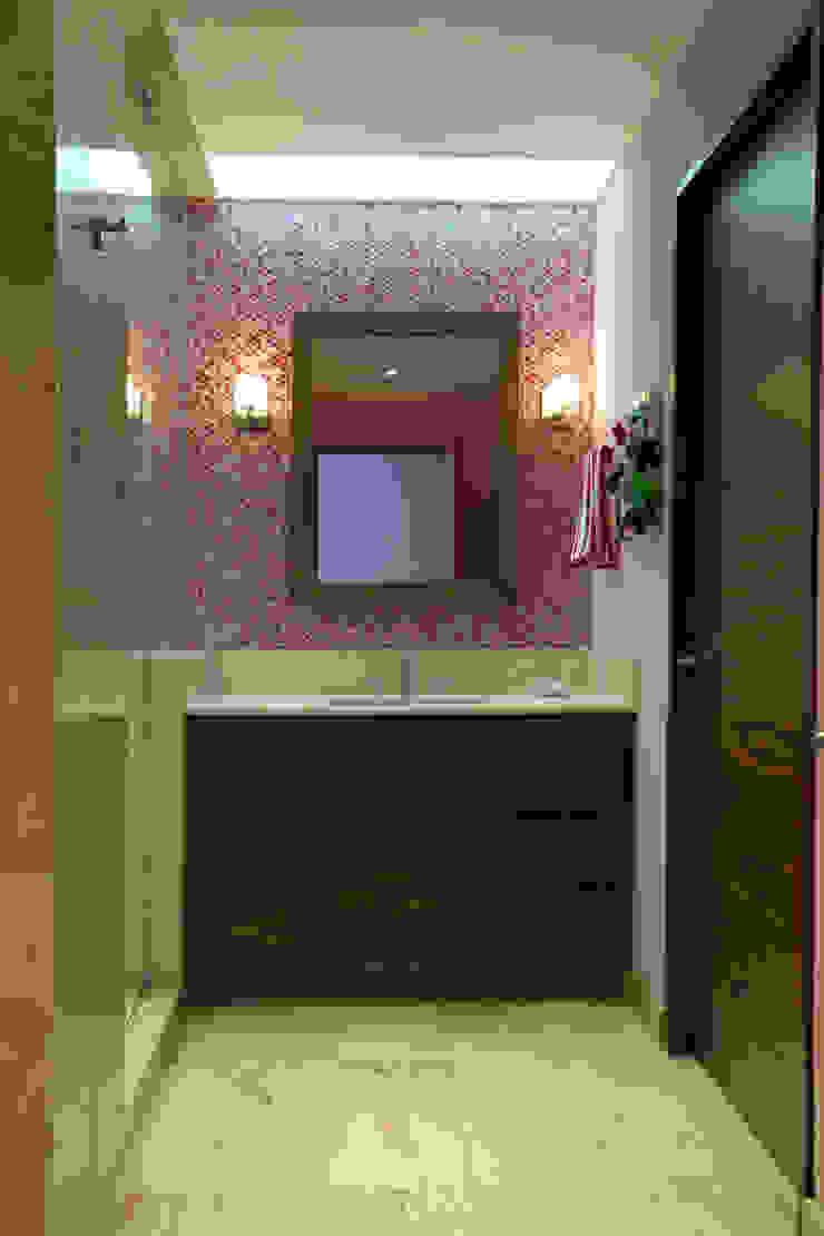 Casa LC Baños modernos de ARCO Arquitectura Contemporánea Moderno