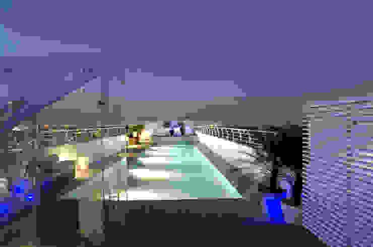 Skyview Ejercito Albercas modernas de ARCO Arquitectura Contemporánea Moderno