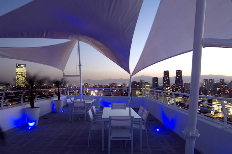 Skyview Ejercito : Terrazas de estilo  por ARCO Arquitectura Contemporánea ,