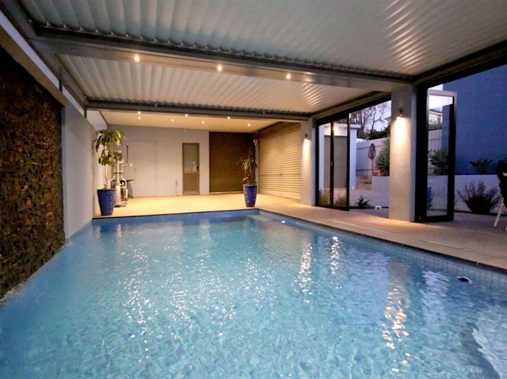 Modern pool by Vergola Modern