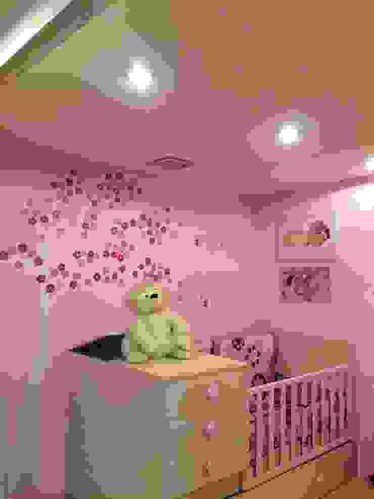 Dormitorios para niños Cuartos infantiles de estilo clásico de crescere Clásico