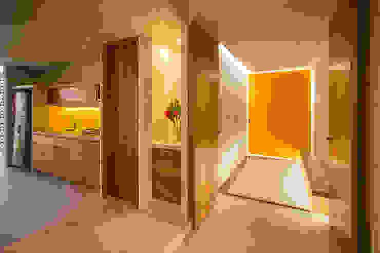Cocinas de estilo moderno de TACO Taller de Arquitectura Contextual Moderno