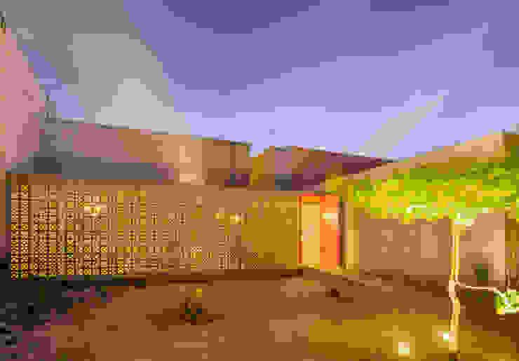 CASA GABRIELA: Casas de estilo  por TACO Taller de Arquitectura Contextual, Moderno