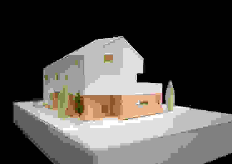 광명주택: IDÉEAA _ 이데아키텍츠의 현대 ,모던