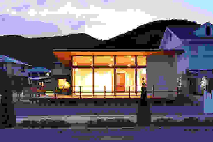 โดย 青木建築設計事務所 โมเดิร์น