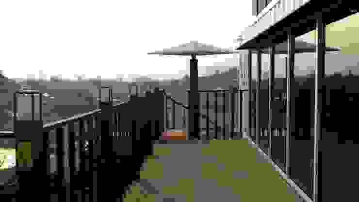 Modern terrace by 신짱 칼라하우스 Modern