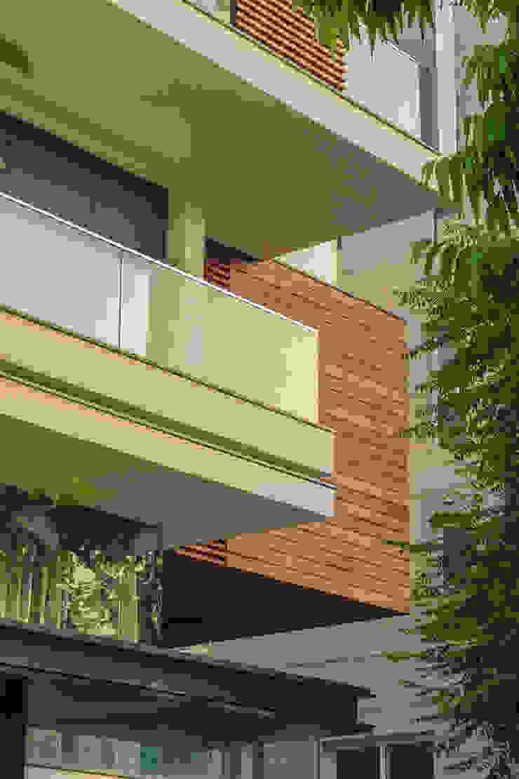 45 PURVI MARG APARTMENT Modern houses by dada partners Modern