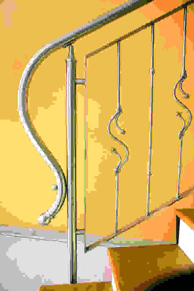 Tecno Metal Professional Welding ห้องโถงทางเดินและบันไดสมัยใหม่