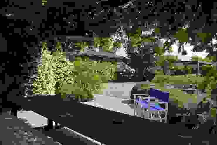 Jardins modernos por Studio Sarpi Moderno