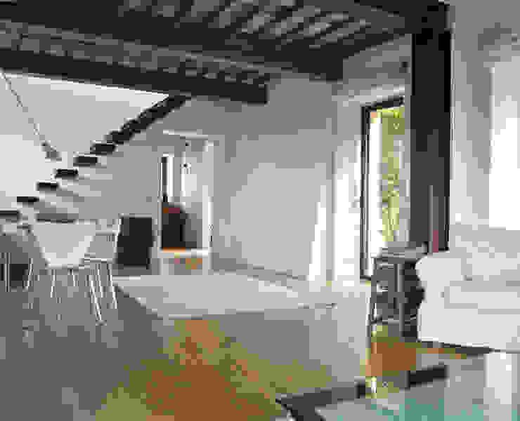 Casas modernas por Studio Sarpi Moderno