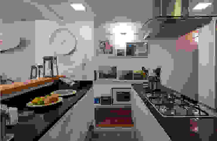 Moderne Küchen von Tato Bittencourt Arquitetos Associados Modern
