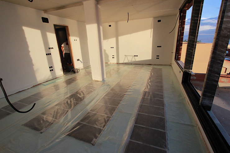 Reforma de vivienda con etiqueta de eficiencia energética A (Gran Alacant, Santa Pola) Dormitorios de estilo escandinavo de Novodeco Escandinavo