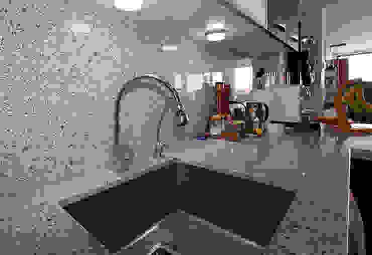 Reforma de vivienda con etiqueta de eficiencia energética A (Gran Alacant, Santa Pola) Cocinas de estilo escandinavo de Novodeco Escandinavo