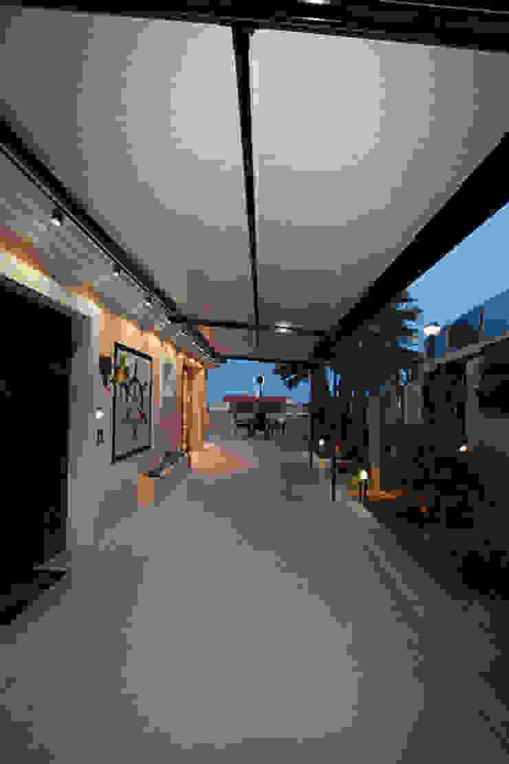 Reforma de vivienda con etiqueta de eficiencia energética A (Gran Alacant, Santa Pola) Jardines de estilo escandinavo de Novodeco Escandinavo