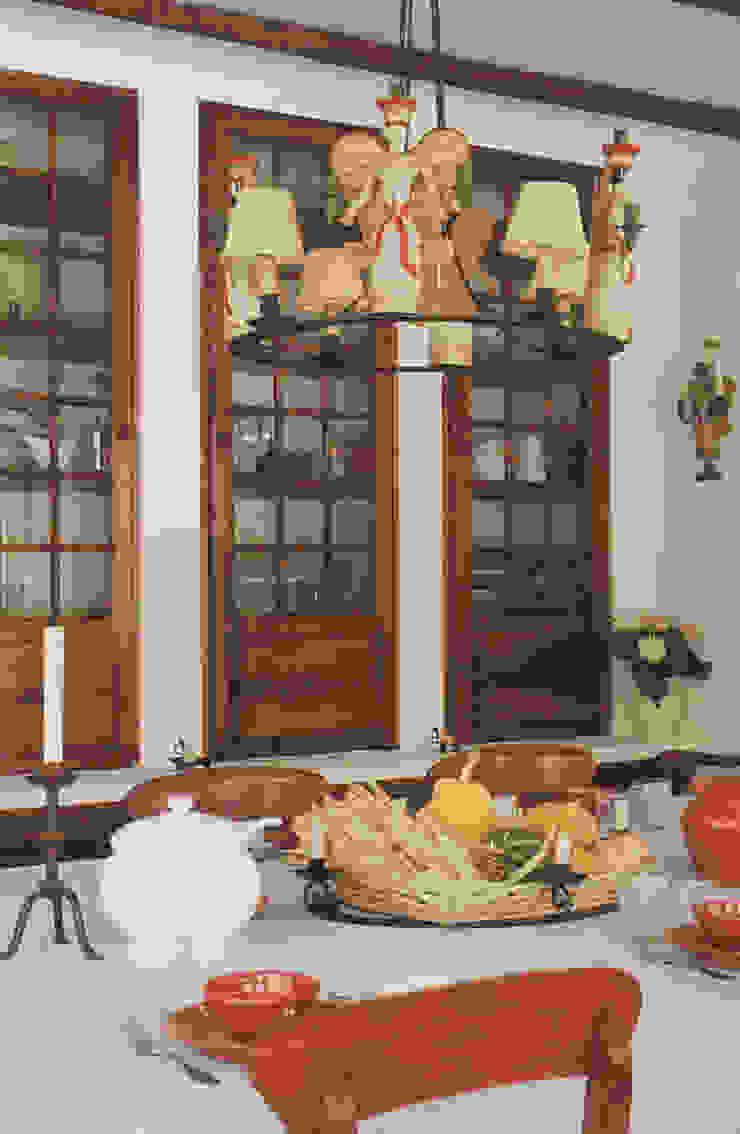 Sala de Jantar Salas de jantar rústicas por Stoc Casa Interiores Rústico