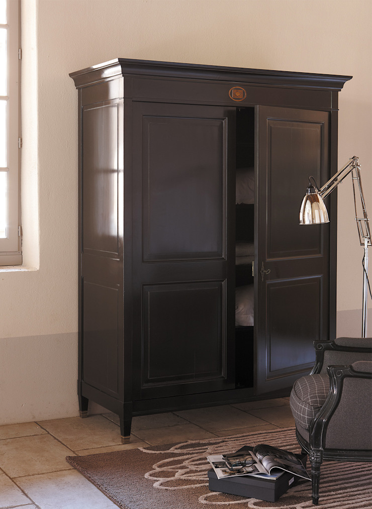 Grange México Modern dressing room Solid Wood Brown