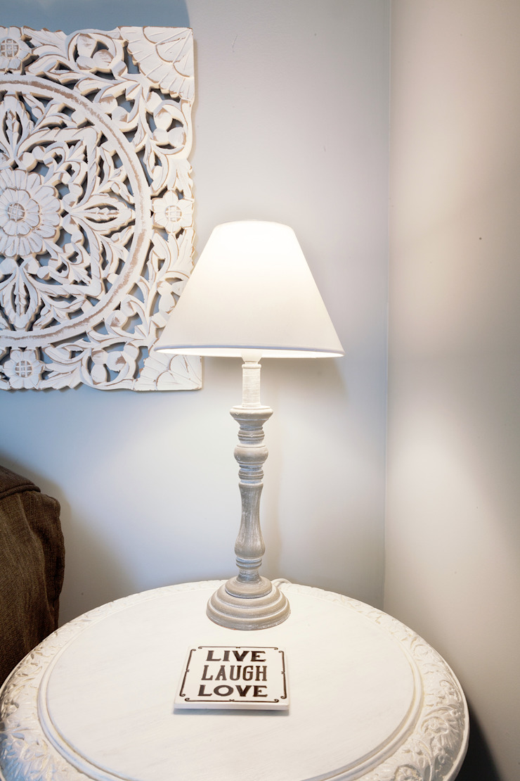 Tania Mariani Architecture & Interiors BedroomLighting Kayu White