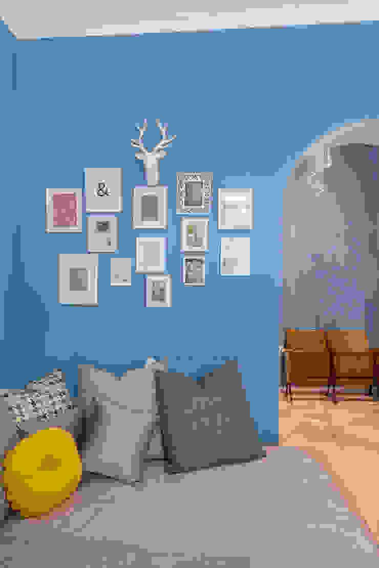 Tania Mariani Architecture & Interiors Ruang Keluarga Gaya Eklektik Kaca Blue