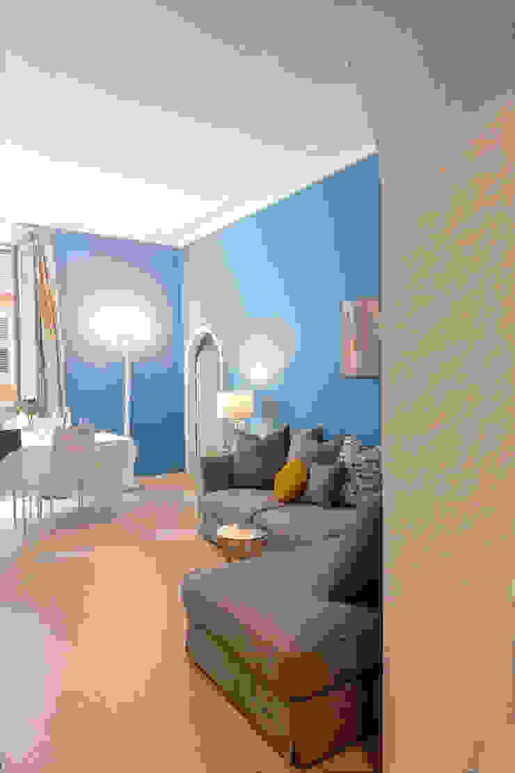 Tania Mariani Architecture & Interiors Ruang Keluarga Gaya Eklektik Marmer Blue
