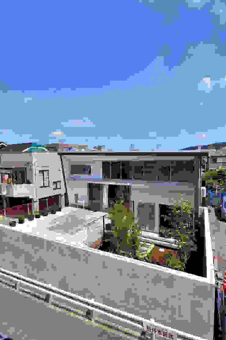 K-HOUSE モダンな庭 の 株式会社長野聖二建築設計處 モダン