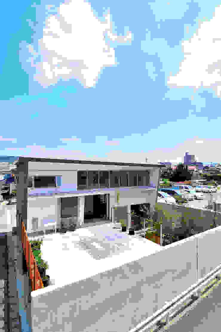 K-HOUSE モダンな 家 の 株式会社長野聖二建築設計處 モダン