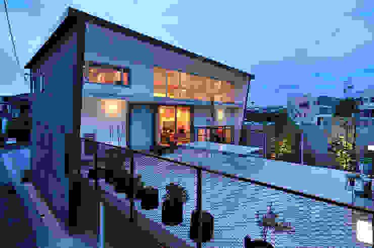 K-HOUSE モダンデザインの テラス の 株式会社長野聖二建築設計處 モダン