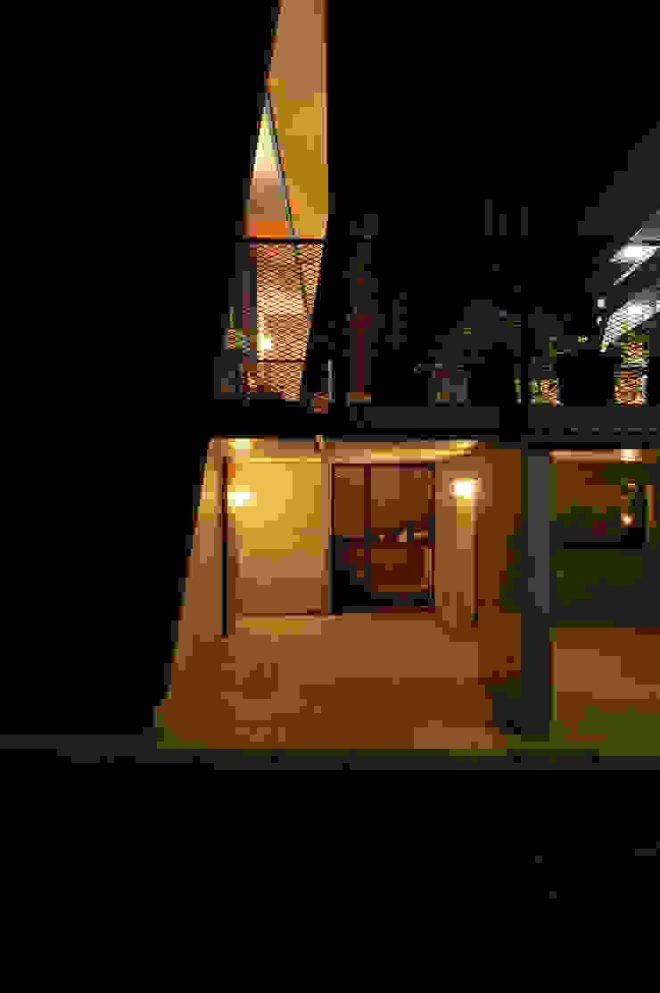 K-HOUSE モダンデザインの ガレージ・物置 の 株式会社長野聖二建築設計處 モダン