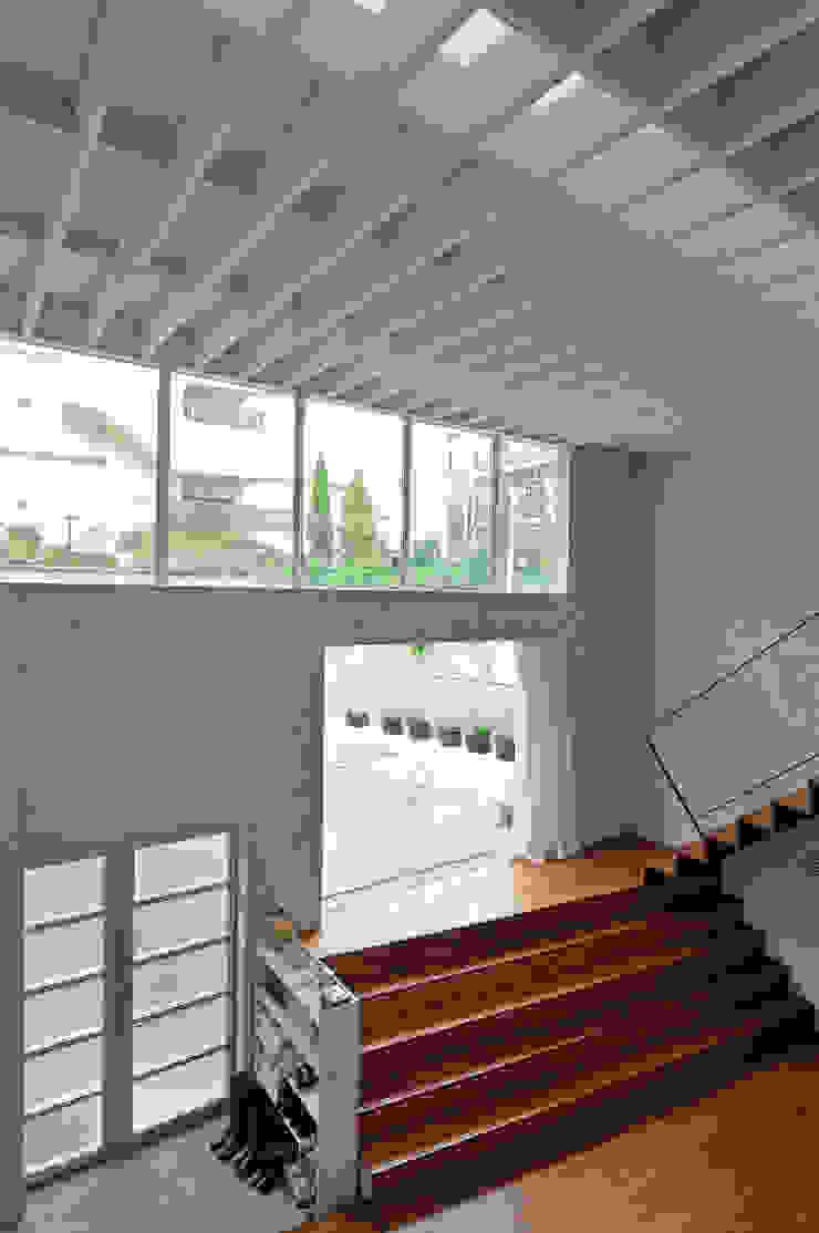 K-HOUSE モダンデザインの リビング の 株式会社長野聖二建築設計處 モダン