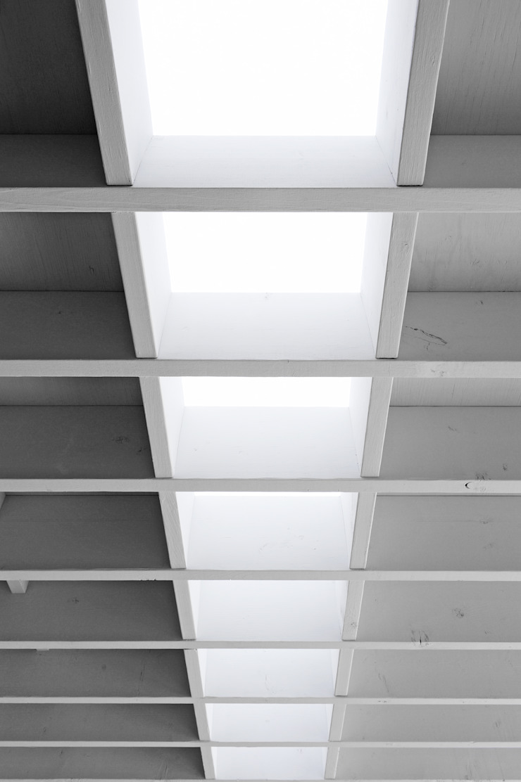 K-HOUSE モダンな 窓&ドア の 株式会社長野聖二建築設計處 モダン
