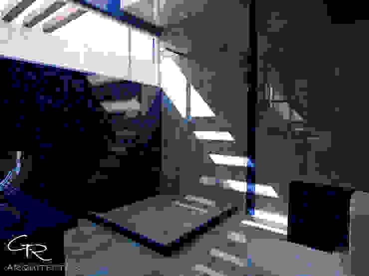 Bagno moderno di GT-R Arquitectos Moderno