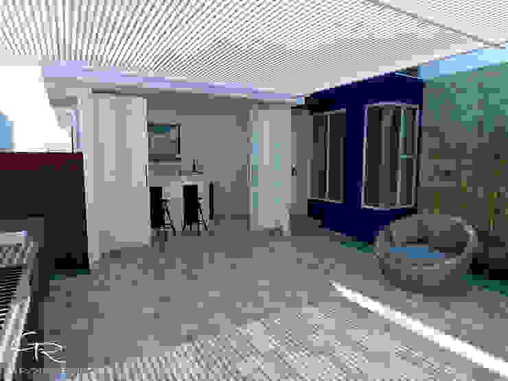 Balcone, Veranda & Terrazza in stile moderno di GT-R Arquitectos Moderno
