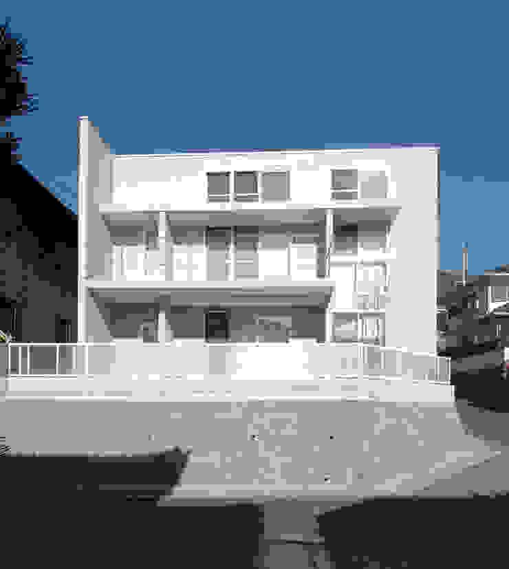 Casas estilo moderno: ideas, arquitectura e imágenes de CAF垂井俊郎建築設計事務所 Moderno