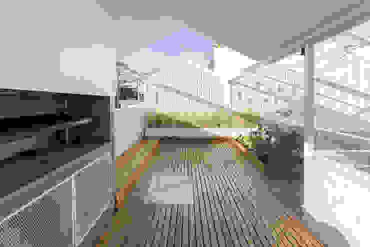 Terraços  por Marantz Arquitectura,