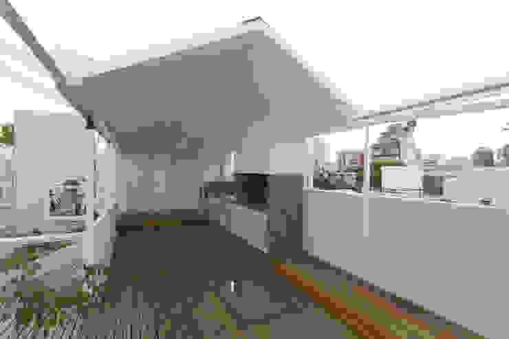 Modern balcony, veranda & terrace by Marantz Arquitectura Modern