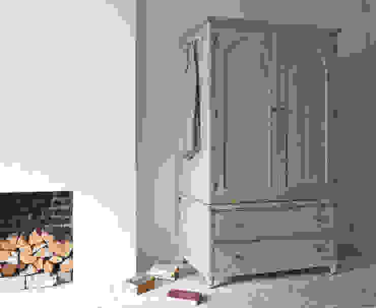 Haybarn wardrobe por Loaf Campestre Madeira Acabamento em madeira