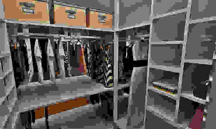 Eclectic style dressing room by Atelier Par Deux Eclectic MDF