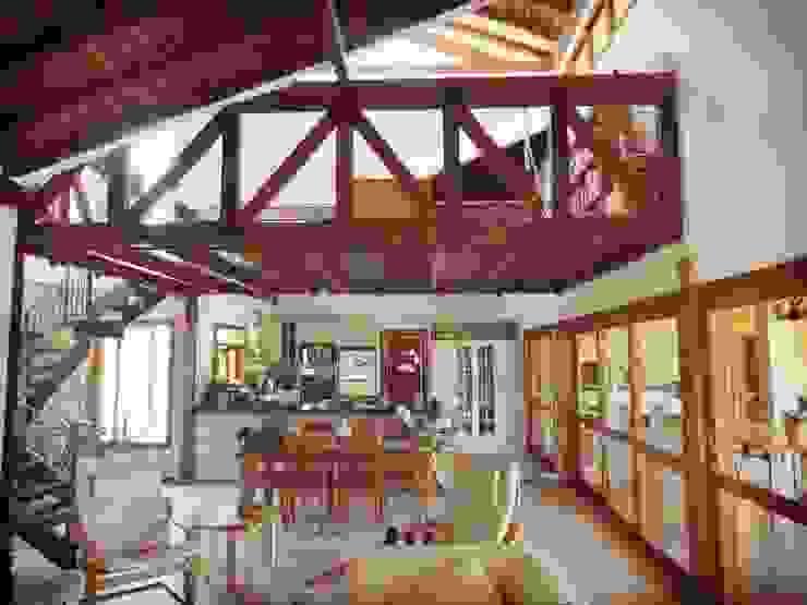 Salones rústicos de estilo rústico de Zani.arquitetura Rústico