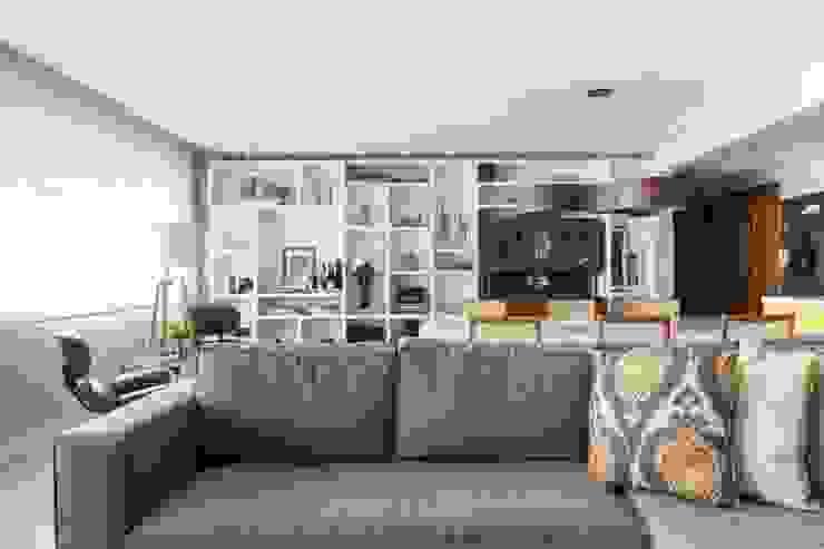 Modern Living Room by Stefani Arquitetura Modern