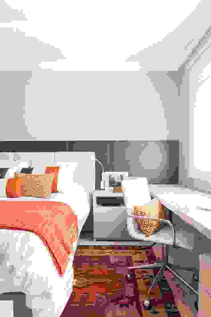 Modern Bedroom by Stefani Arquitetura Modern