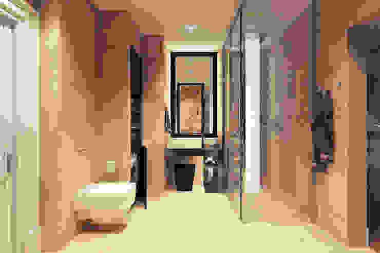 Baños de estilo  por Дарья Баранович Дизайн Интерьера