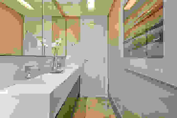 Residência Água Verde L&O Banheiros modernos por VL Arquitetura e Interiores Moderno