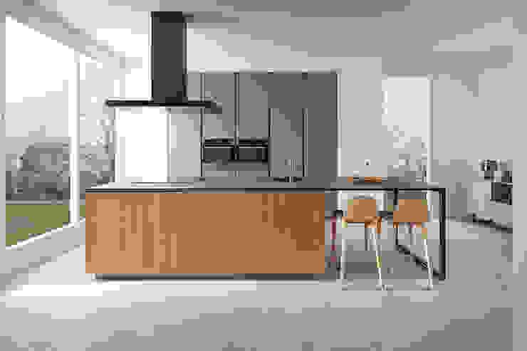 SERIE 45_Isla Cocinas de estilo moderno de VIVESPACIO Moderno