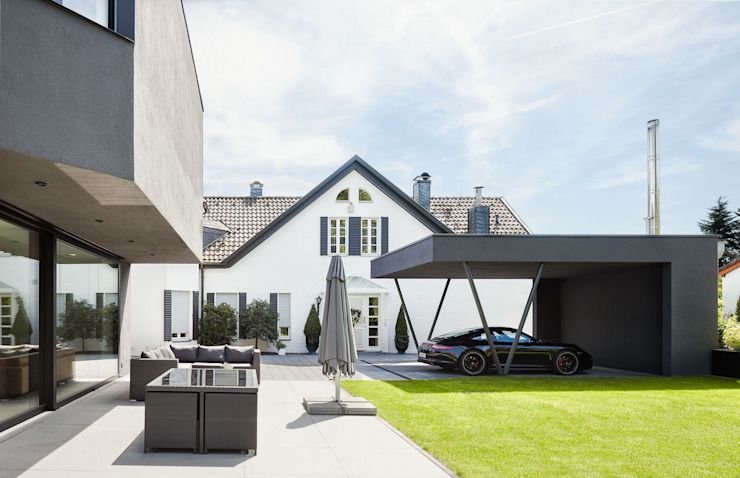 Garage/shed by ZHAC / Zweering Helmus Architektur+Consulting, Modern Iron/Steel